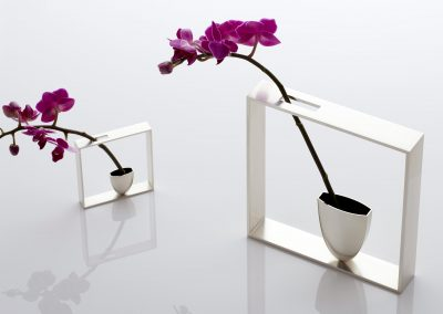 Outline Frame Vases