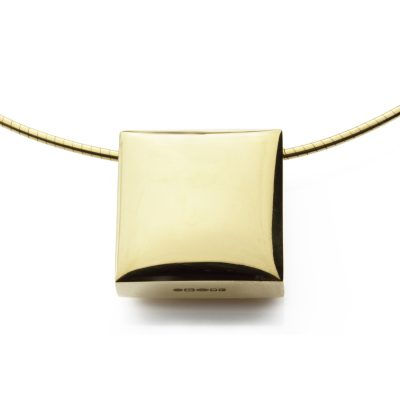 Square-18ct-gold-plated-polished-cable-front-view