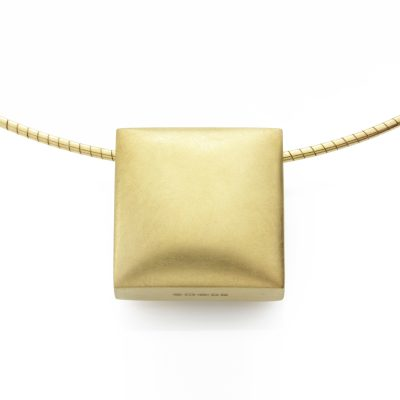 Square-18ct-gold-plated-satin-cable-front-view