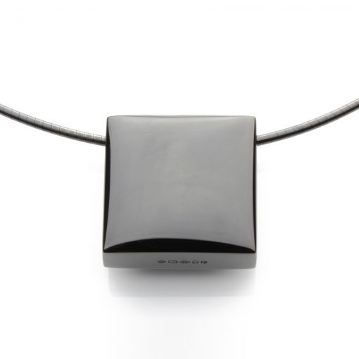 Square-ruthenium-plated-cable-front-view