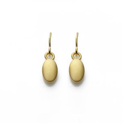 Oval-18ct-gold-plated-hooks-in-satin
