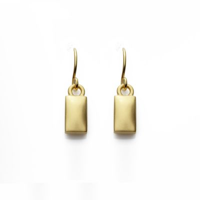 Rectangle-18ct-gold-plated-hooks-in-satin